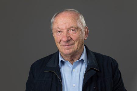Hermann Dertnig, Stall